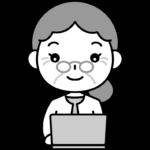 パソコンをするおばあさん(お年寄り・シニア女性)の白黒(モノクロ)イラスト